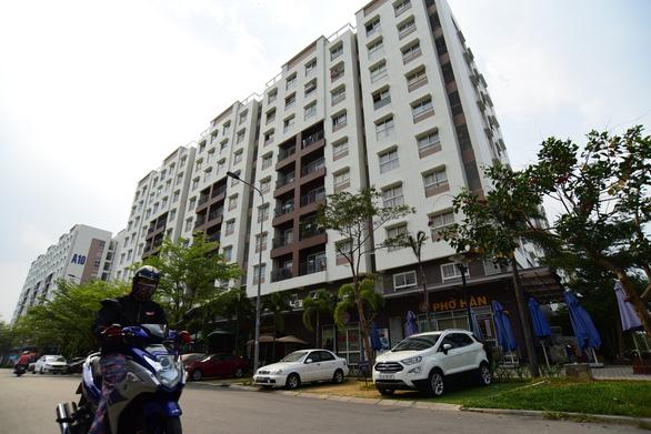 NÓNG: Phong tỏa toàn bộ 14 block chung cư Ehome 3, lấy mẫu xét nghiệm 7.600 dân - Ảnh 2.