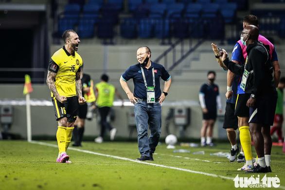 Không được chỉ đạo trận gặp UAE, huấn luyện viên Park Hang Seo bị cấm những gì? - Ảnh 1.