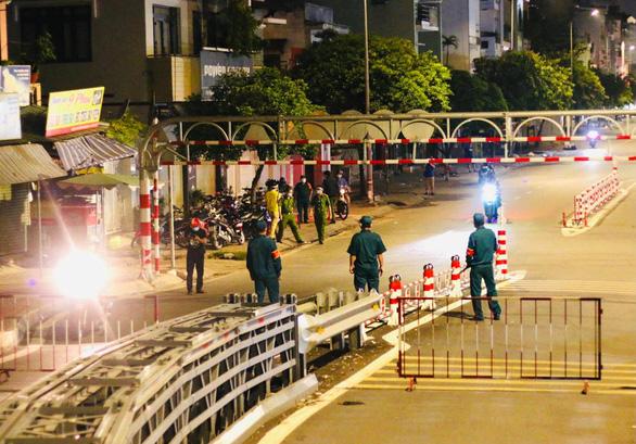 Người dân TP.HCM không ra đường sau 18h hằng ngày, bắt đầu từ 26-7 - Ảnh 1.
