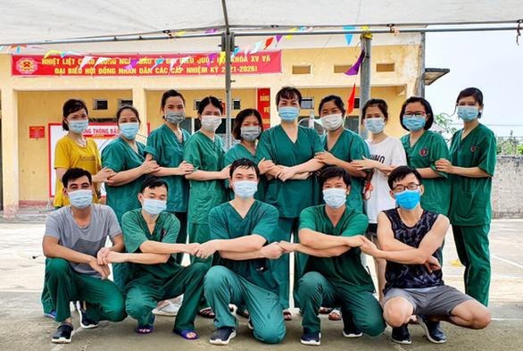Những người tình nguyện đến Bắc Giang chưa hết dịch thì ta chưa về - Ảnh 1.