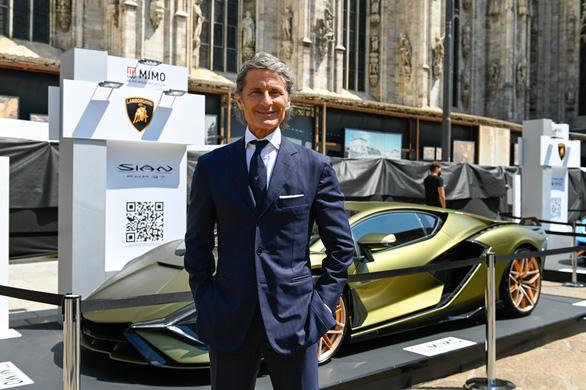 Thiên hạ ùn ùn mua siêu xe Lamborghini trong dịch bệnh - Ảnh 1.