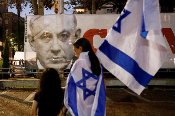 Liên minh đối lập đã lật đổ, chấm dứt 12 năm cầm quyền của Thủ tướng Israel Benjamin Netanyahu - Ảnh 3.