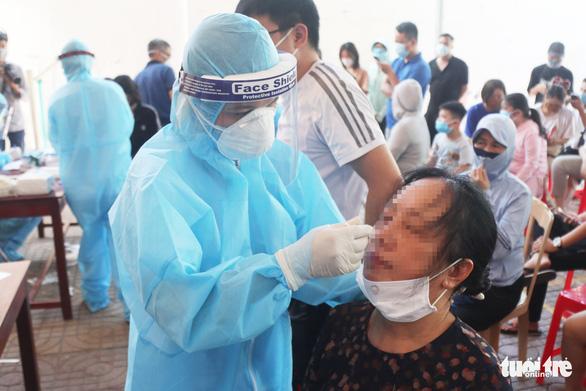 Nghệ An cách ly 21 ngày người từ 5 địa phương Hà Tĩnh có dịch - Ảnh 1.