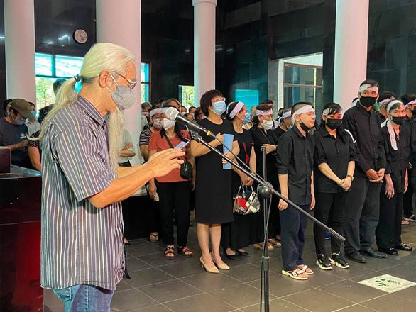 Văn giới, bạn đọc tiễn biệt 'nhà văn chân chính' Nguyễn Xuân Khánh - Ảnh 3.