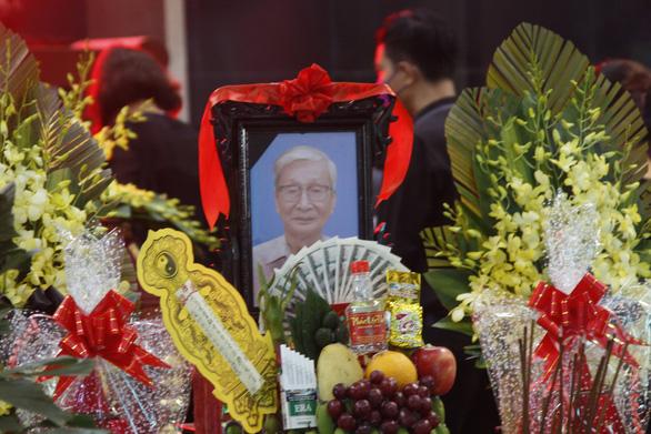 Văn giới, bạn đọc tiễn biệt 'nhà văn chân chính' Nguyễn Xuân Khánh - Ảnh 1.