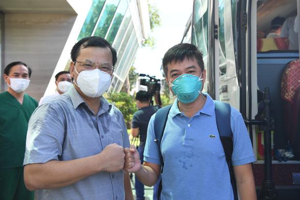 Đội phản ứng nhanh Bệnh viện Chợ Rẫy từ tâm dịch Bắc Giang về TP.HCM - Ảnh 1.