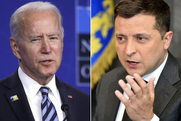 Ông Biden nói Ukraine chưa đủ tiêu chuẩn gia nhập NATO - Ảnh 1.