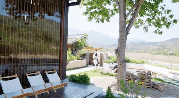Bỏ phố về quê, đôi vợ chồng Trung Quốc cải tạo ngôi nhà đẹp như tranh - Ảnh 7.