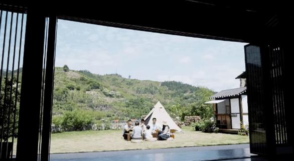 Bỏ phố về quê, đôi vợ chồng Trung Quốc cải tạo ngôi nhà đẹp như tranh - Ảnh 8.