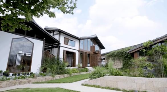 Bỏ phố về quê, đôi vợ chồng Trung Quốc cải tạo ngôi nhà đẹp như tranh - Ảnh 5.