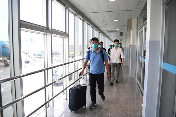 Đội phản ứng nhanh Bệnh viện Chợ Rẫy từ tâm dịch Bắc Giang về TP.HCM - Ảnh 2.