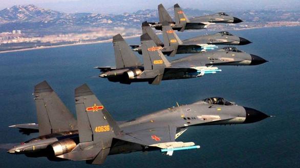 Trung Quốc đưa 28 máy bay ồ ạt áp sát ADIZ Đài Loan, Đài Loan báo động - Ảnh 1.