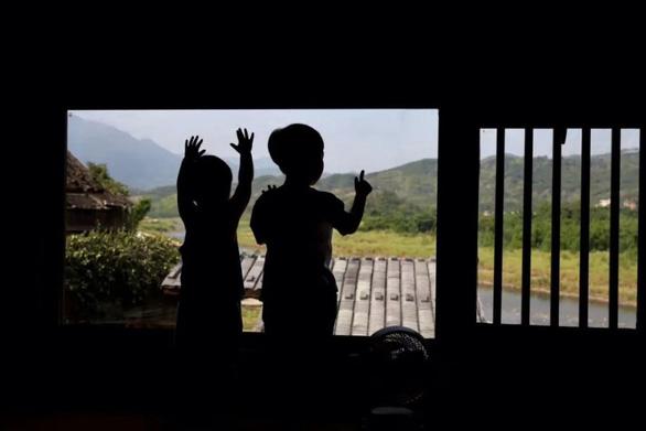 Bỏ phố về quê, đôi vợ chồng Trung Quốc cải tạo ngôi nhà đẹp như tranh - Ảnh 12.