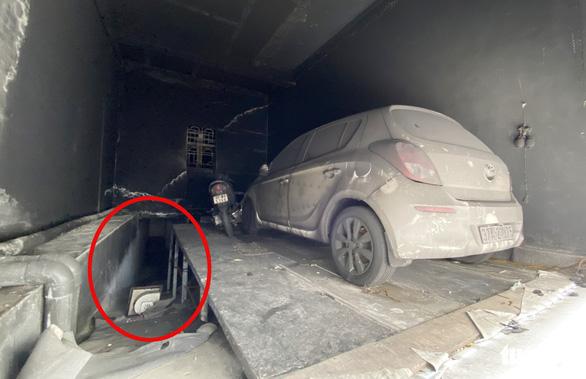 Vụ cháy phòng trà 6 người tử vong: Nhà hai mặt tiền nhưng không lối thoát hiểm? - Ảnh 7.