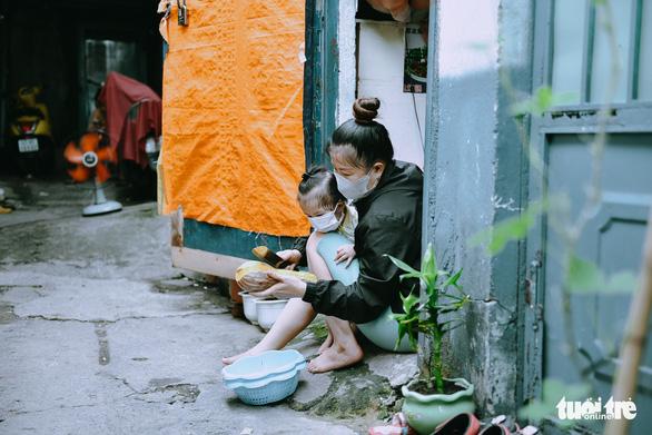 Người Sài Gòn giãn cách, không giãn lòng - Ảnh 6.