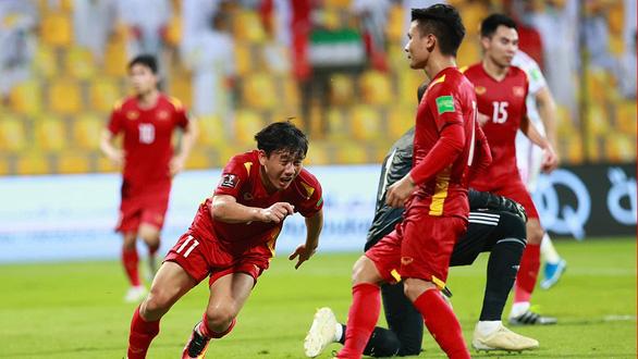Việt Nam - UAE: 2-3: Ngày lịch sử của bóng đá Việt Nam - Ảnh 2.