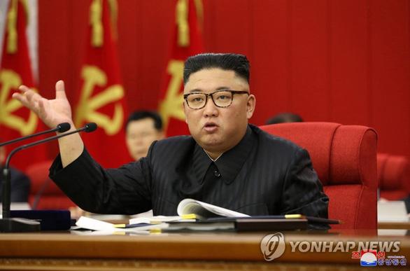 Ông Kim Jong Un: Triều Tiên thiếu lương thực trầm trọng do bệnh dịch, thiên tai - Ảnh 1.