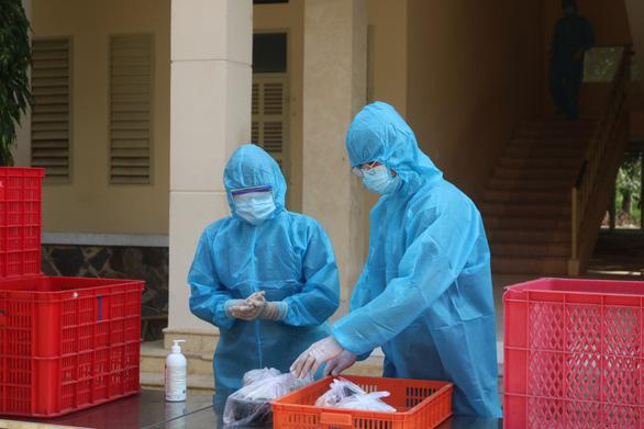 TP.HCM: 3 nhân viên trạm y tế phường nhiễm COVID-19 - Ảnh 1.