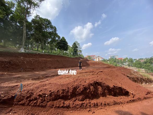 Tự ý san lấp đồi ở TP Gia Nghĩa: Sở Xây dựng Đắk Nông cấp giấy phép tạm không đúng thẩm quyền - Ảnh 2.