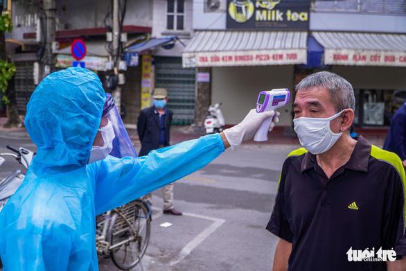 Âm tính 3 lần tại Tiền Giang, bay ra Hà Nội, về đến Hòa Bình thì dương tính với SARS-CoV-2 - Ảnh 1.