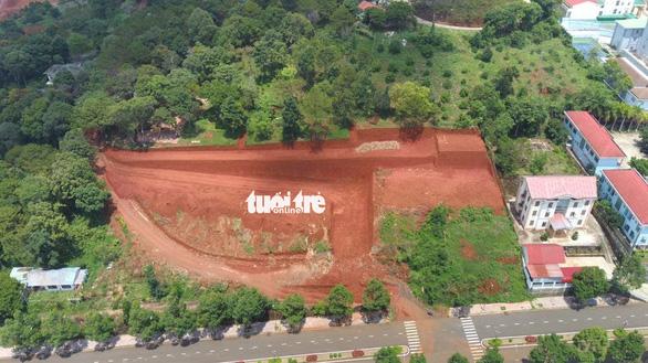 Tự ý san lấp đồi ở TP Gia Nghĩa: Sở Xây dựng Đắk Nông cấp giấy phép tạm không đúng thẩm quyền - Ảnh 1.