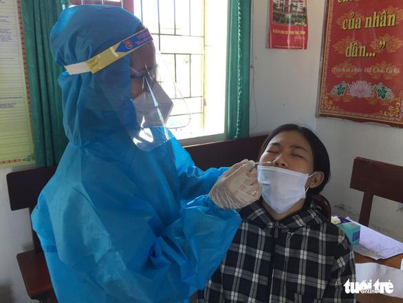 Hà Tĩnh: Bé trai chưa đầy 1 tuổi mắc COVID-19 - Ảnh 1.