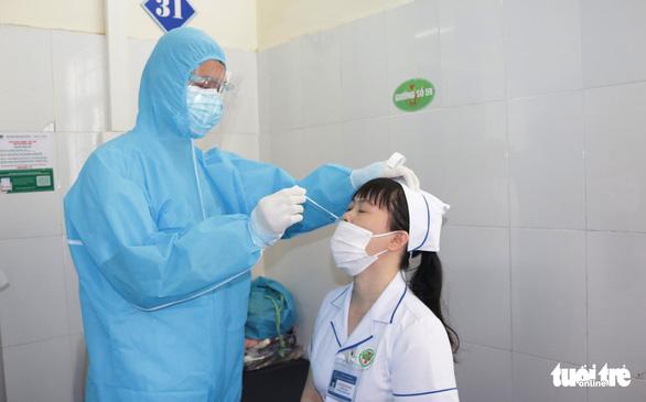 Hai bệnh viện ở TP Vinh mở cửa đón bệnh nhân trở lại - Ảnh 1.