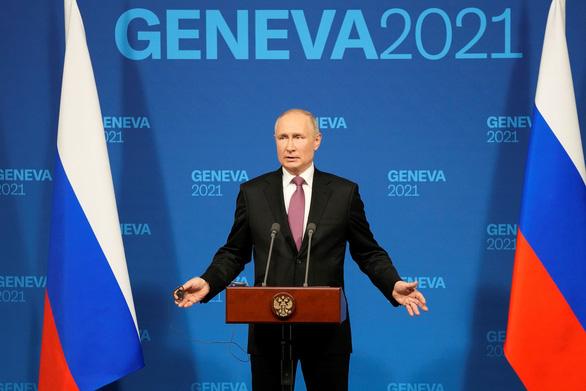 Ông Biden gọi điện nói lý do gọi ông Putin là 'kẻ giết người', ông Putin: Tôi hài lòng - Ảnh 1.