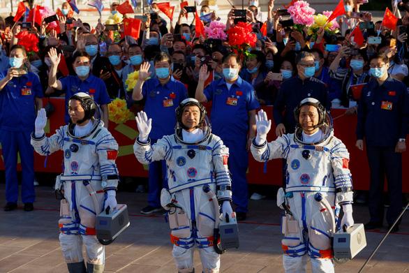 Trung Quốc tăng tốc giấc mơ Thiên Cung - Ảnh 1.