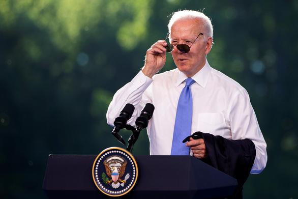 Ông Biden và ông Putin đã tặng quà gì cho nhau? - Ảnh 1.