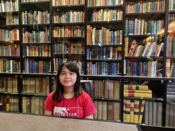 Cô gái Việt 14 tuổi học đại học song bằng - Ảnh 1.