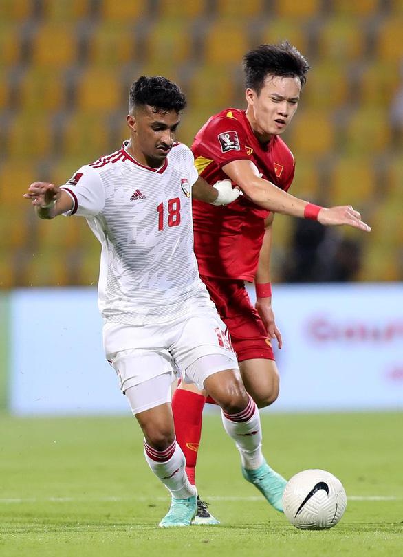 Chủ tịch Liên đoàn Bóng đá và báo chí UAE: Việt Nam trình diễn tuyệt vời, xứng đáng đi tiếp - Ảnh 1.