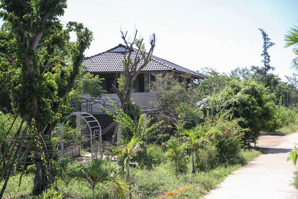 18 căn nhà cạnh sông Hương xây trái phép - Ảnh 1.