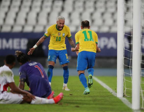 Neymar lập công giúp Brazil thắng 4 sao - Ảnh 2.