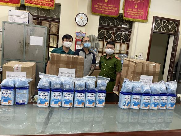 Phá đường dây ma túy khủng từ Hà Lan về Việt Nam qua đường hàng không - Ảnh 2.