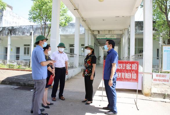 Tìm người liên quan tài xế mắc COVID-19 đi xuyên Việt từ TP.HCM tới Lào Cai - Ảnh 1.