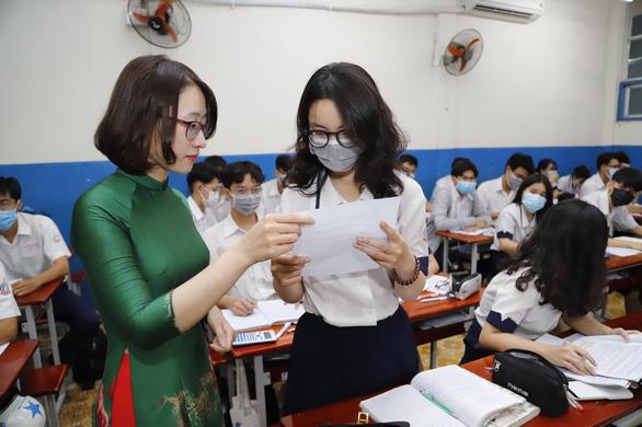 Sở GD-ĐT TP.HCM sẽ trình phương án thi tốt nghiệp THPT trước ngày 27-6 - Ảnh 1.