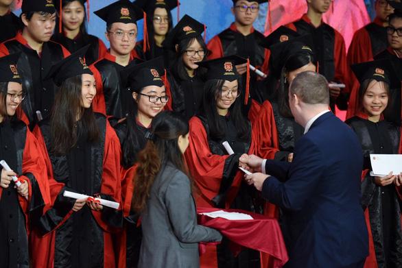 12 học sinh VAS nhận học bổng du học trị giá hơn 60 tỉ đồng - Ảnh 1.