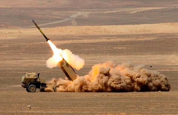 Đài Loan ký hợp đồng vũ khí 1,75 tỉ USD với Mỹ - Ảnh 1.