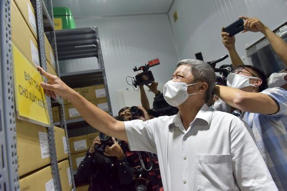 Thứ trưởng Nguyễn Trường Sơn: 836.000 liều vắc xin COVID-19 sẽ được tiêm ở TP.HCM trong 5-7 ngày tới - Ảnh 2.