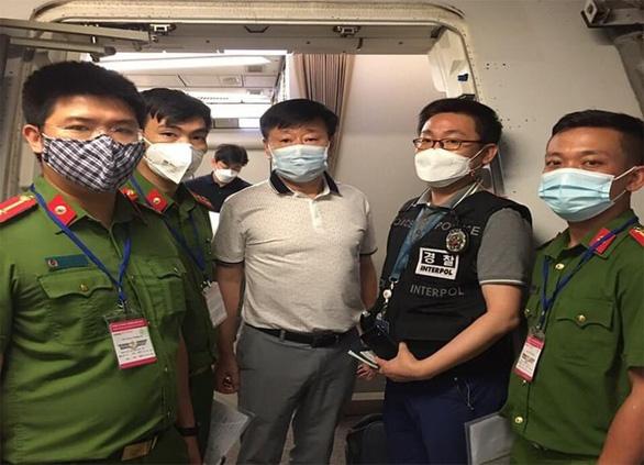 Phát hiện người đàn ông Hàn Quốc trốn truy nã, sống chui trong một chung cư - Ảnh 1.