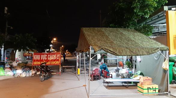 Phong tỏa gần 3 ấp của huyện Hóc Môn từ 0h ngày 20-6 - Ảnh 1.