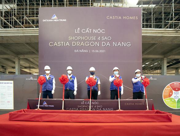 Cất nóc chuỗi shophouse 4 sao Castia Dragon Tây Bắc Đà Nẵng - Ảnh 1.