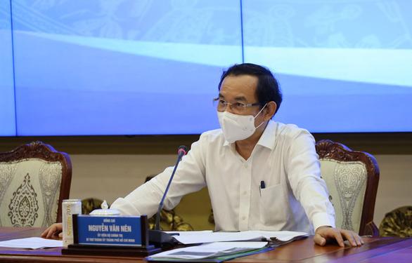 Bí thư Nguyễn Văn Nên đặt vấn đề nâng cao mức giãn cách xã hội tại TP.HCM - Ảnh 1.