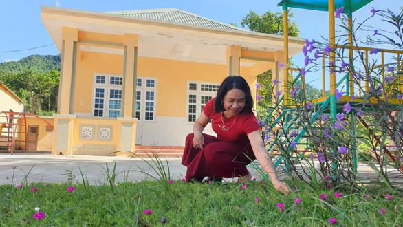 Cô giáo hiến 1.000m2 đất xây trường - Ảnh 1.