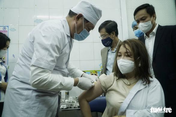 Bộ Y tế tập huấn an toàn tiêm chủng, sẵn sàng cho chiến dịch tiêm vắc xin COVID-19 lớn nhất lịch sử - Ảnh 1.