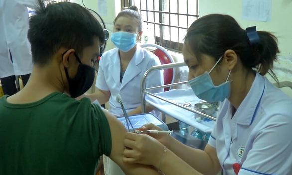 Bà Rịa - Vũng Tàu: Gần 1 triệu người đăng ký mua vắc xin, tỉnh xin mua 1,5 triệu liều - Ảnh 1.