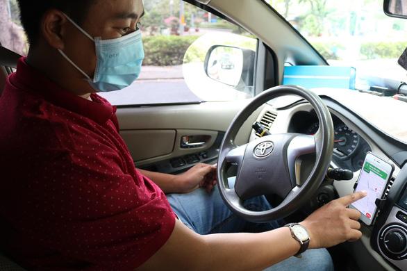 TP.HCM tạm dừng taxi công nghệ, xe hai bánh công nghệ vẫn được chạy - Ảnh 1.