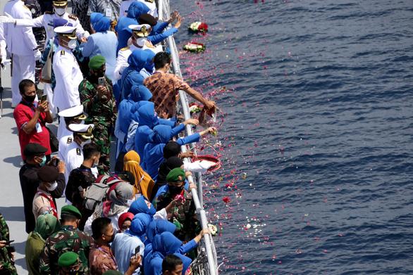 Indonesia dừng cuộc trục vớt tàu ngầm chìm cùng 53 thủy thủ ở Bali - Ảnh 1.