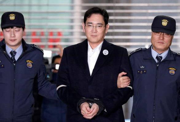 Bốn tập đoàn lớn nhất Hàn Quốc kêu gọi tổng thống tha bổng thái tử Samsung - Ảnh 1.